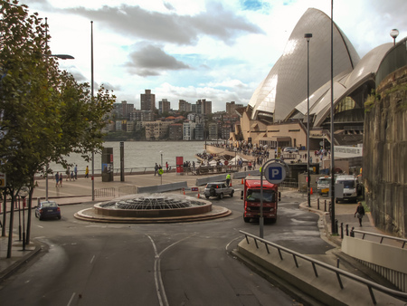 hustle: Sydney, Australia - Circular quay view of roundabout, Opera house and harbour