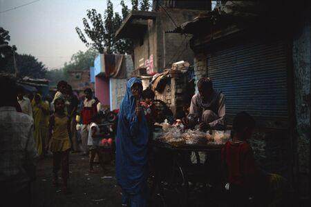 slums: INDIA, Delhi, November 2009: Delhis slums street