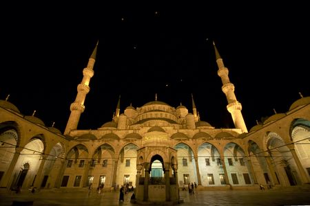Sultanahment (the blue mosque) by night