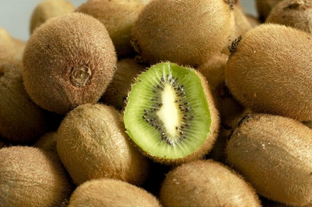pile of kiwi fruits