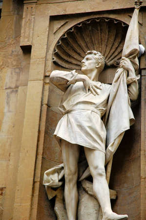 colourer: Statue at Uffizi galeries at Fiorence