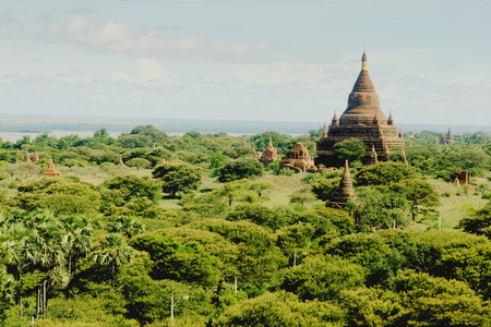 The plains of Bagan with its many Buddhist temples