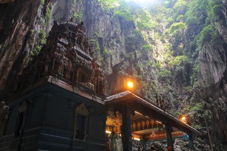 Batu Cave temple  within cave in Kuala Lumpur, Malaysia 版權商用圖片
