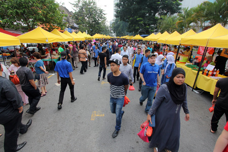 ramadhan: A crowd at a ramadhan bazaar during the fasting month of ramadhan