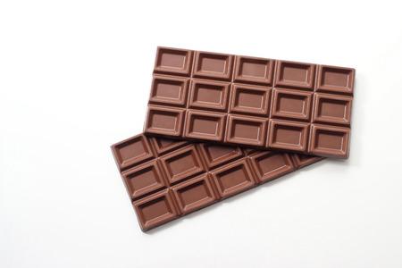 Chocoladereep op witte achtergrond