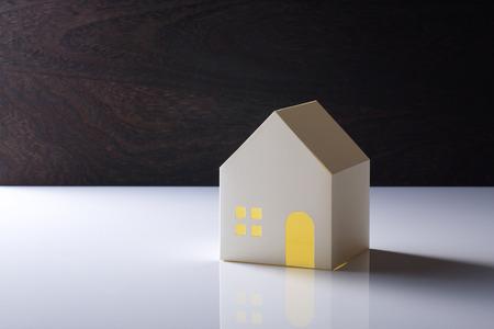 model van huis op de witte achtergrond
