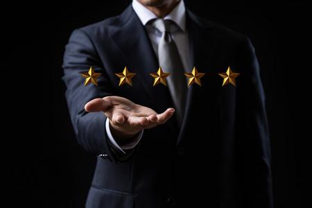 Konzept des Fünf-Sterne-Schicksals