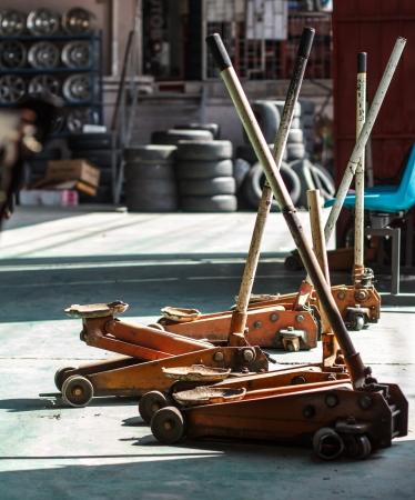 lifting jack: Lifting jack Red hydraulic