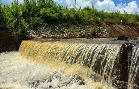 overflow: Overflow Water Weir