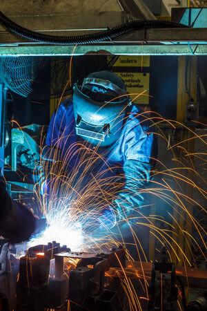 mig: People are working steel welding