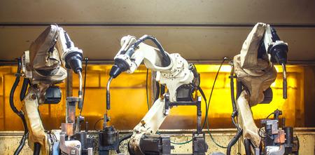 soldadura: Robots de soldadura en las f�bricas industriales