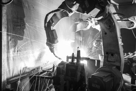 welding machine: Welding robots movement in a car factory