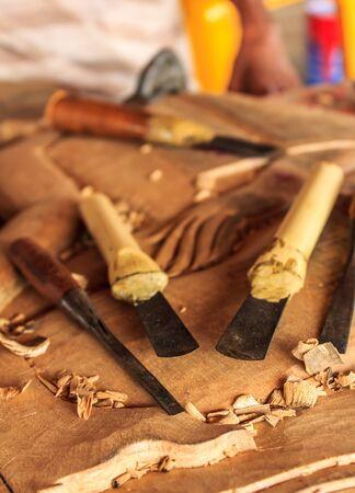 trinchante: Las herramientas del tallador de madera Foto de archivo