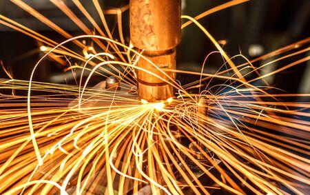 soldador: soldadura industrial de la automoción en Tailandia