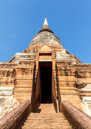 Old Pagoda ancient of Wat Yai Chaimongkol in Phra Nakhon Si Ayutthaya, Thailand Stock Photo