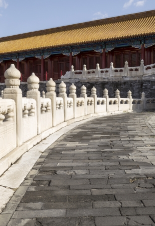Stone Walkway leading to temple in Chinas forbidden City with blue sky in background  版權商用圖片