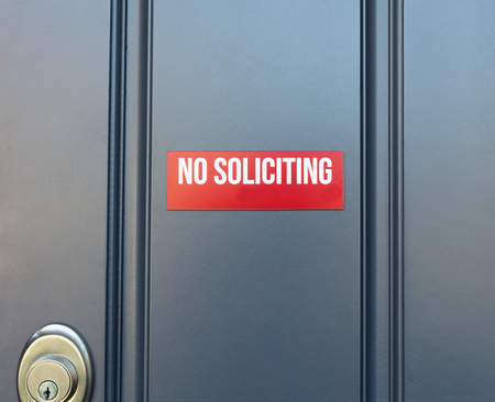 No soliciting sign on front door of home