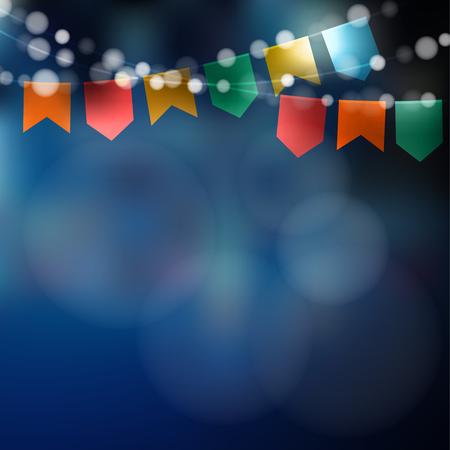 Brasilianische Juniparty. Festa junina. Lichterkette, Partyflaggen. Partydekoration. Festliche Nacht, unscharfer Hintergrund.