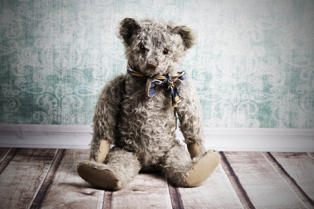 oso de peluche: Antiestético sentado oso de peluche de la vendimia
