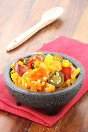 arbol: deliciosas rodajas de jalape�os en escabeche caliente, habaneros y Chile de �rbol pimientos que dejar� una sensaci�n picante y burnig.