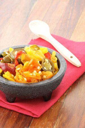 arbol: deliciosos jalape�os calientes encurtidos en rodajas, habaneros y chile pimiento de arbol que dejar� una sensaci�n picante y burnig caliente.
