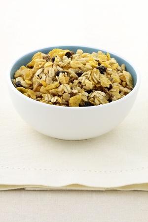 pasas: delicioso y saludable granola o muesli, con muchas frutas secas, nueces y granos.