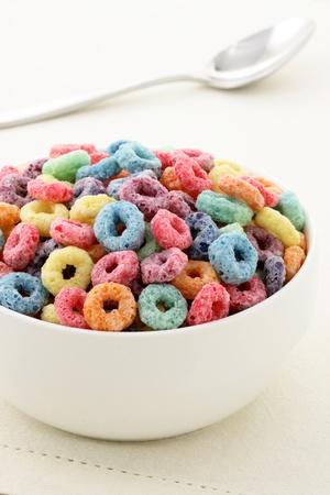 おいしいと栄養価の高いフルーツの穀物の子供の朝食に風味豊かな、健康的で面白いまたをループします。