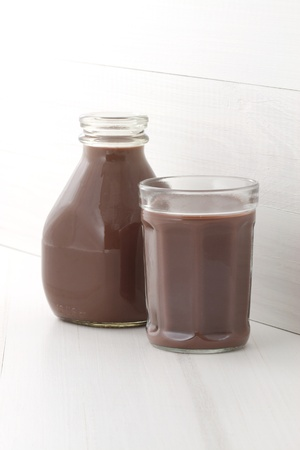 skim: Delicious, nutritious and fresh Chocolate pint, made with organic real cocoa mass Stock Photo