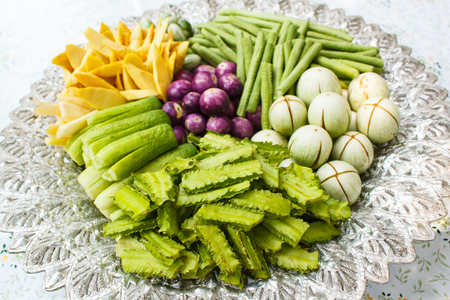 vegetable tray: Vegetable on a tray, style thai food.