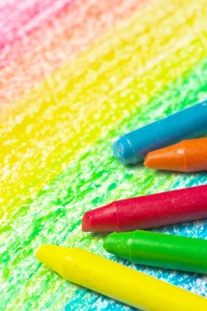 5 クレヨンと虹の図面。(垂直方向) 写真素材