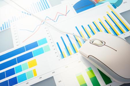 グラフとマウス データを分析