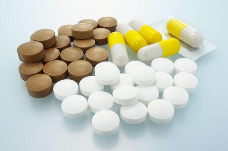 pilule: Tripla supplemento Primo piano di supplemento