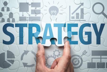 Entwicklung einer Geschäftsstrategie. Lösung finden. Verbinden des letzten Puzzleteils.