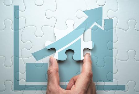 Entwicklung einer Geschäftswachstumsstrategie. Lösung des Problems finden. Verbinden des letzten Puzzleteils.