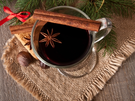Christmas mulled wine Stock Photo - 16339146