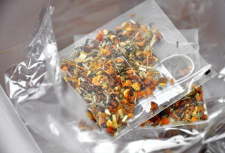 Près de grands sacs de thé de luxe Banque d'images - 25480212