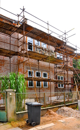 Scaffolding on the house, reconstruction