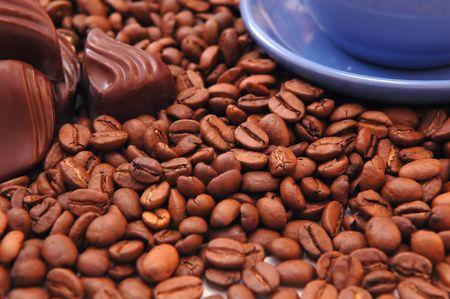 slurp: los granos de caf� y chocolate negro