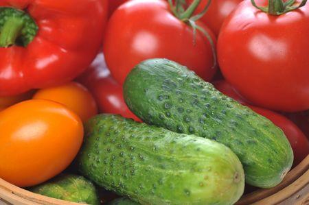 pimenton: verduras en la cesta close up  Foto de archivo