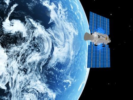 antena parabolica: planeta azul y v�a sat�lite en el espacio.  Foto de archivo