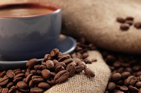 slurp: taza de caf� con la antigua Bolsa de caf� y az�car