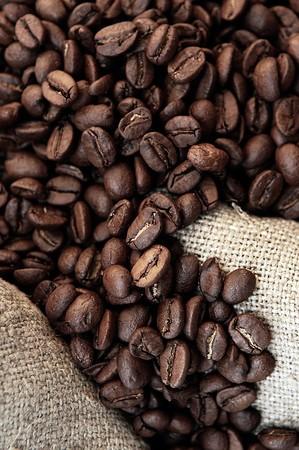 comida colombiana: granos de caf� y antigua Bolsa close up