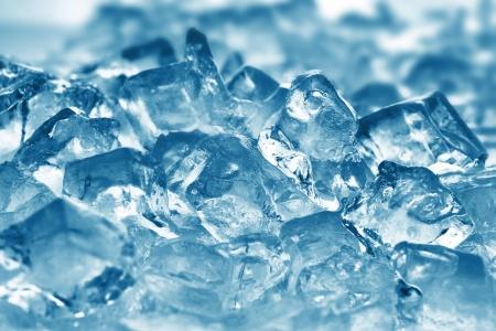 resfriado: hielo muy cerca cubos hasta