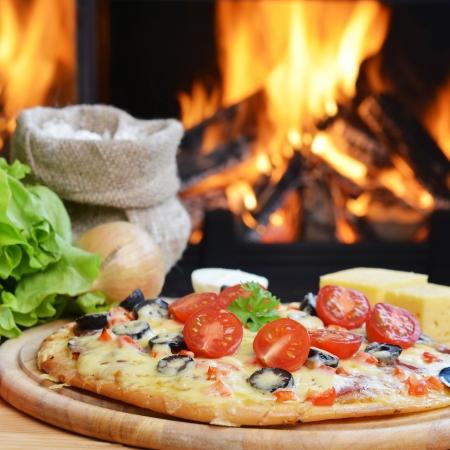 pizzas al horno sabroso cerca horno de le�a photo
