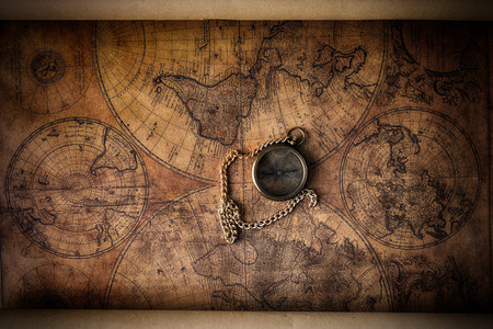고대: 옛지도에 빈티지 나침반 스톡 사진