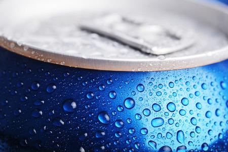 aluminium: wet aluminium drink can