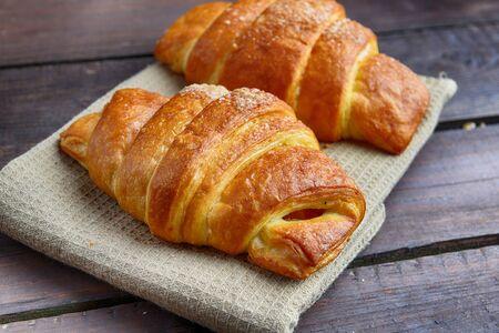 fresh baked: fresh baked buns on table
