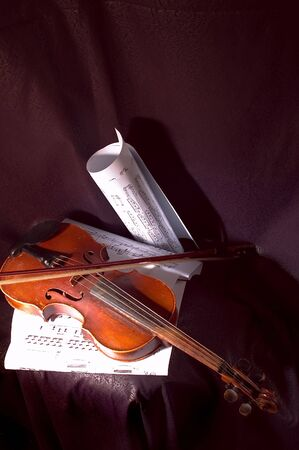 sonata: Violin and musical note on sheet of paper Stock Photo