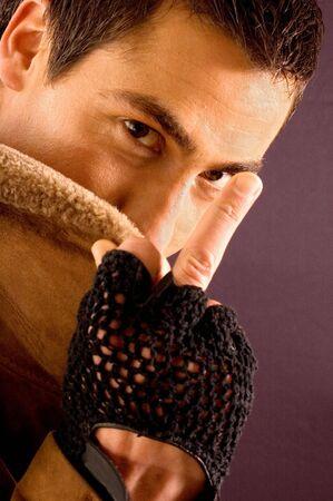 mittelfinger: Portr�t der jungen urbanen Menschen mit mittleren Finger Lizenzfreie Bilder
