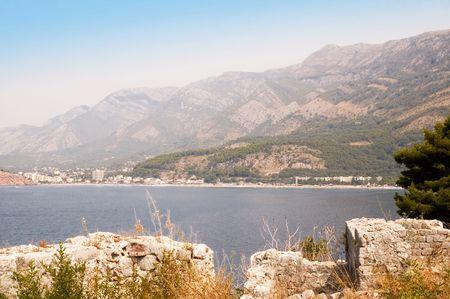 medioevo: Costa citt�, girato dalla rovina del castello dal Medioevo